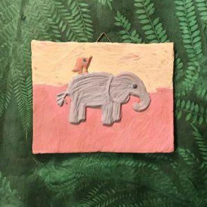 Fliese mit Engobe bemalt - Motiv Elefant