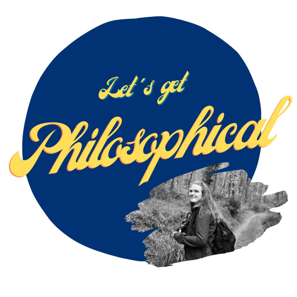 Logo der Ethik-Kolumne blauer Kreis mit gelber Schrift mit Foto von Teammitglied Bettina Kliesspiess