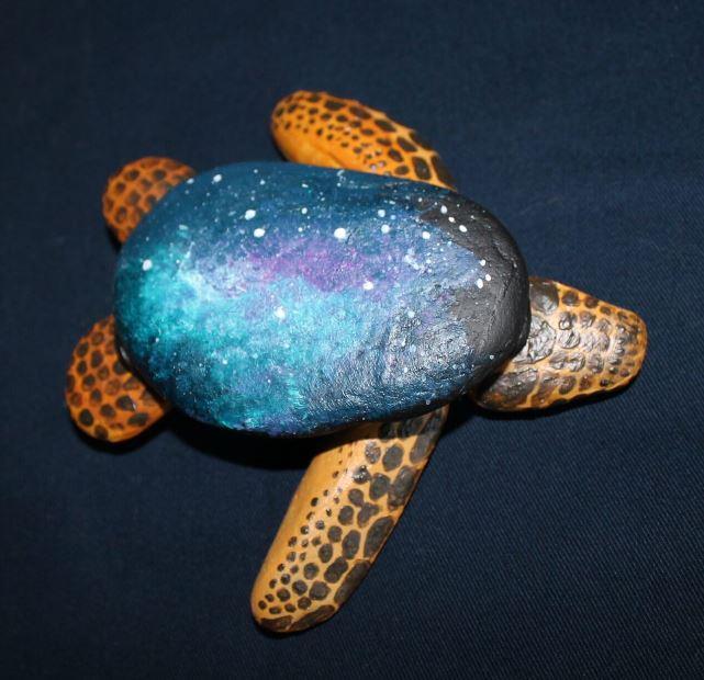Steinschildkröte mit Galaxiepanzer